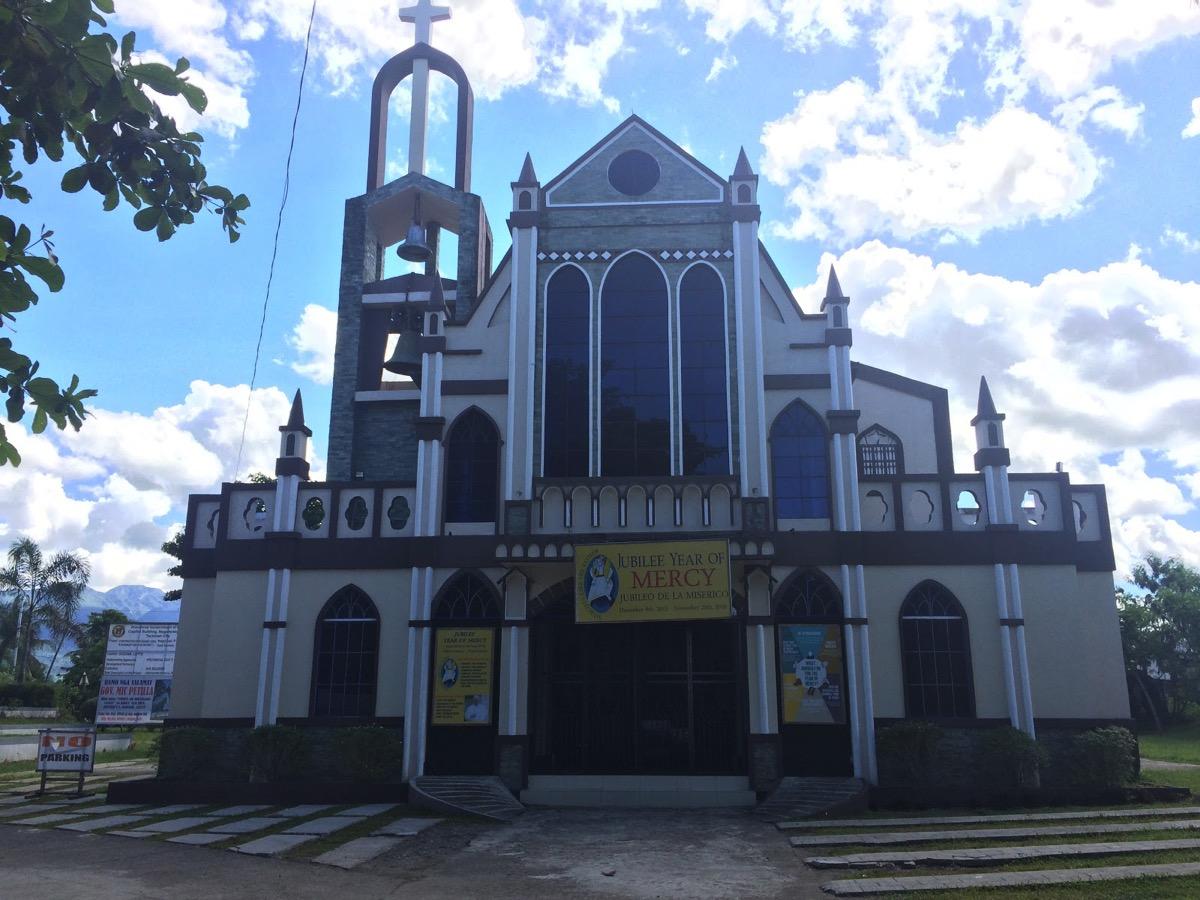 英霊碑・レイテ側の教会